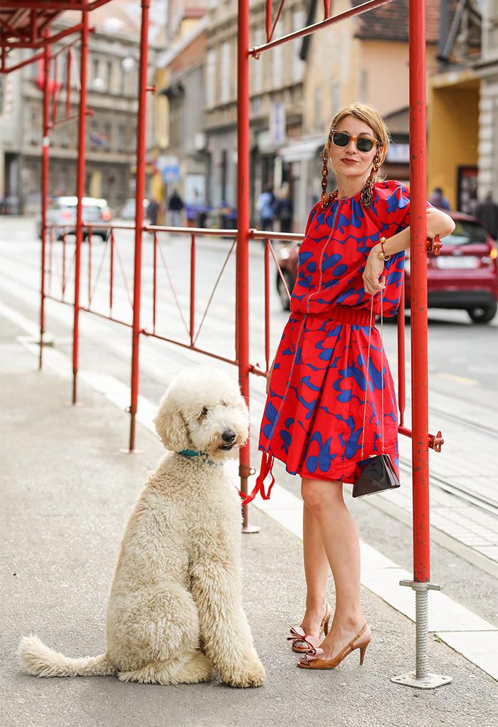 Paulina Jazvić slikarica kraljevski pudl Švrćo influencer street style izložba Under Constriction foto Ana i Slavica Josiović Style Zagreb